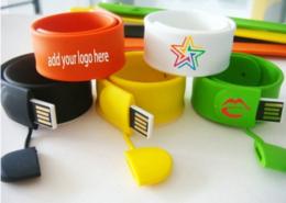 Bracciale USB gadget colorato